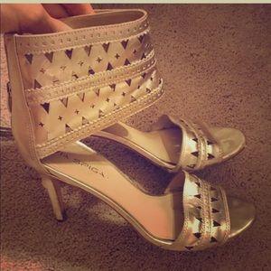 Dolce vita sexy gold heels